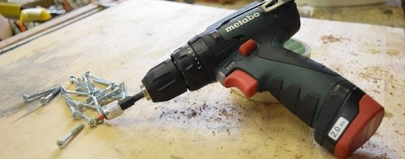 Torque Wrench or Impact Wrench